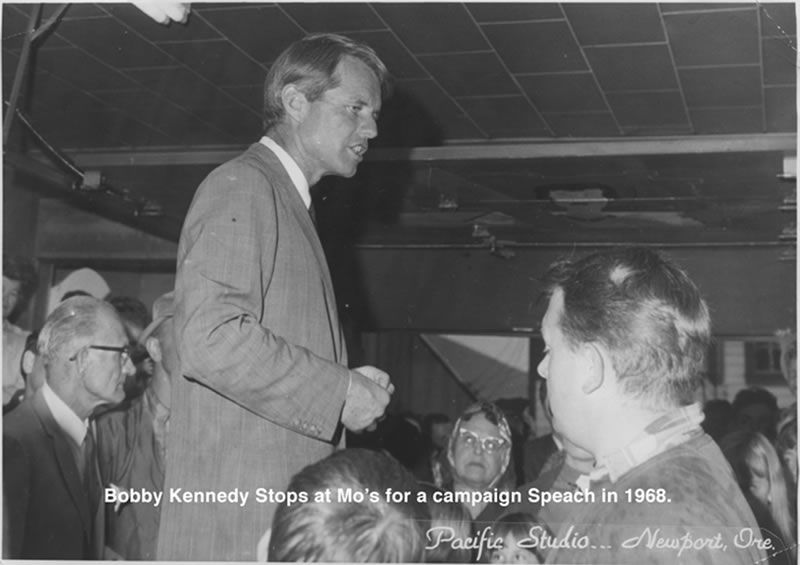 Bobby Kennedy at Mo_s